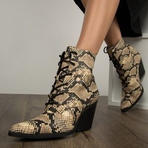 NWOB Qupid Snakeskin Lace-Up Booties